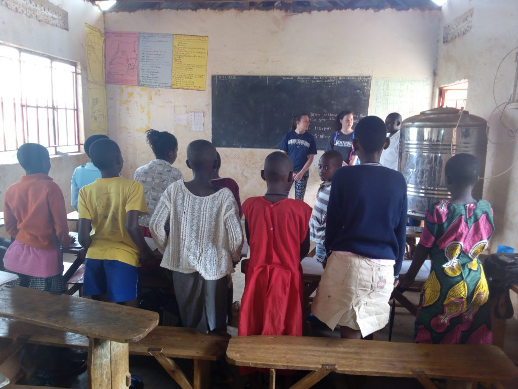 Volunteering in Uganda Teaching